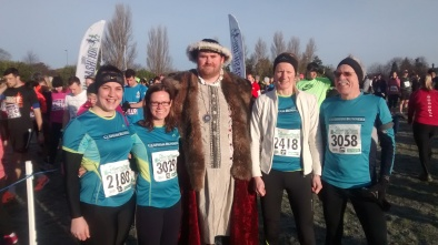 Hampton Court Half Feb 22nd 2015 - at the start line with Henry VIII
